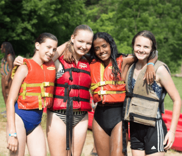 Get up with the sun and enjoy a swim in the pool, a hike around camp, or a canoe trip up the mist-covered Leaf River. During an Early Bird Activity, early risers and high-energy campers enjoy the chance to experience an activity in the unique time of early dawn.